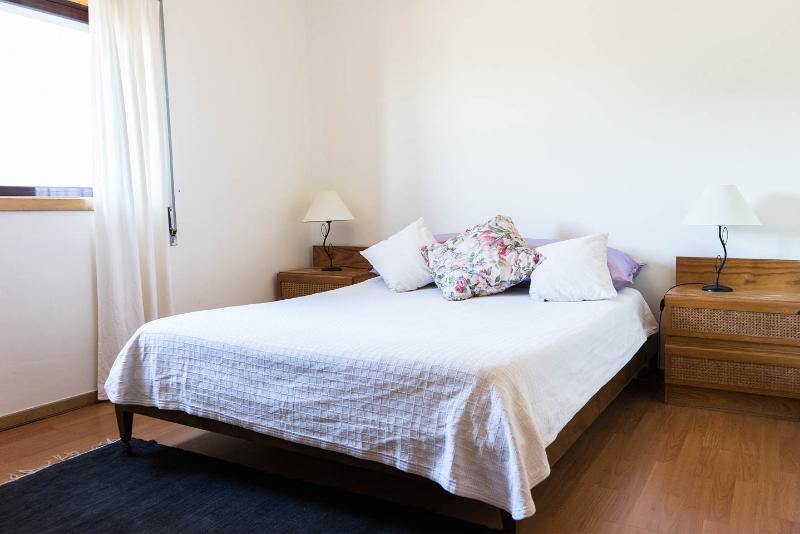 Habitación doble. Hay 3 dormitorios en total, con capacidad para 6 personas