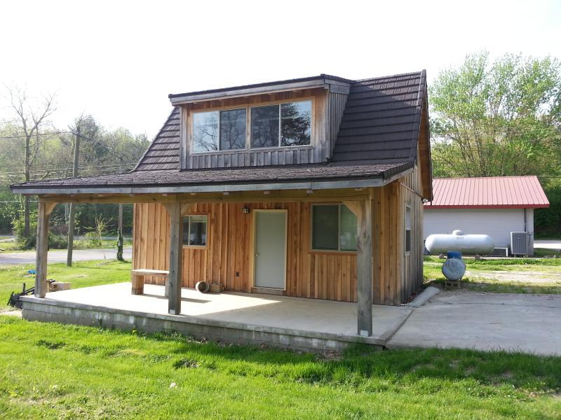 Cabin Lake Lemon Near Bloomington & Nashville IN, holiday rental in Unionville