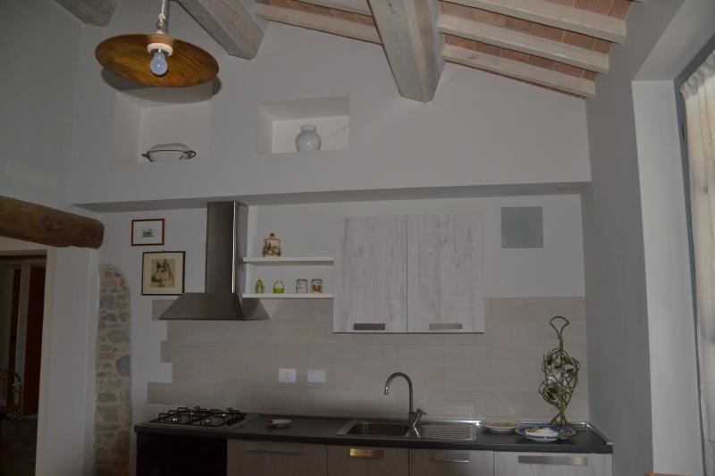 CASALPANTA ABITARELUMBRIA - ROSMARINO, vacation rental in San Martino in Campo