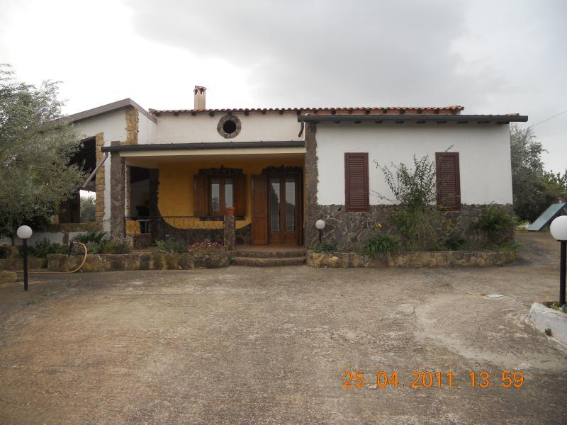 Villa Cutruneo, holiday rental in Butera