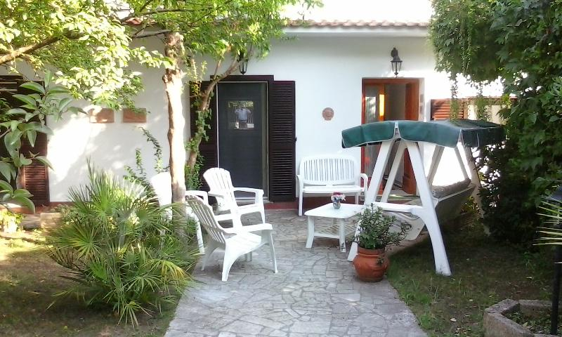 Lavinio, villetta, holiday rental in Cogna