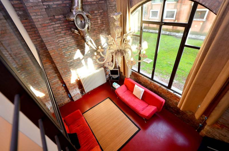 BIENNALE area: the only Loft in Venice set in real historic iron foundry, air conditioning, WiFi