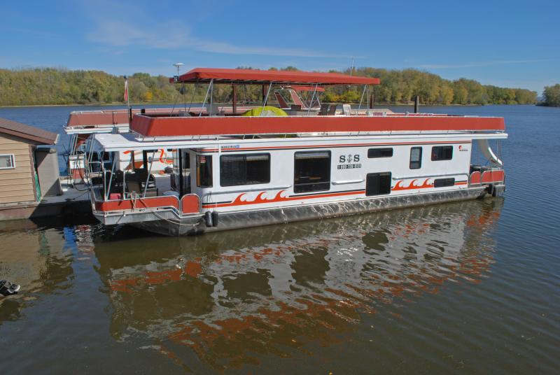 This can be your houseboat!