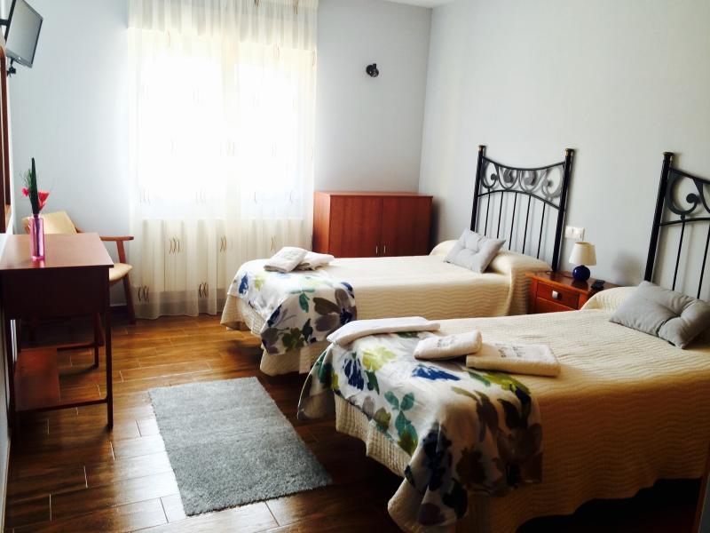 Hotel Rural La Primavera - El Otoño, aluguéis de temporada em Ceadea