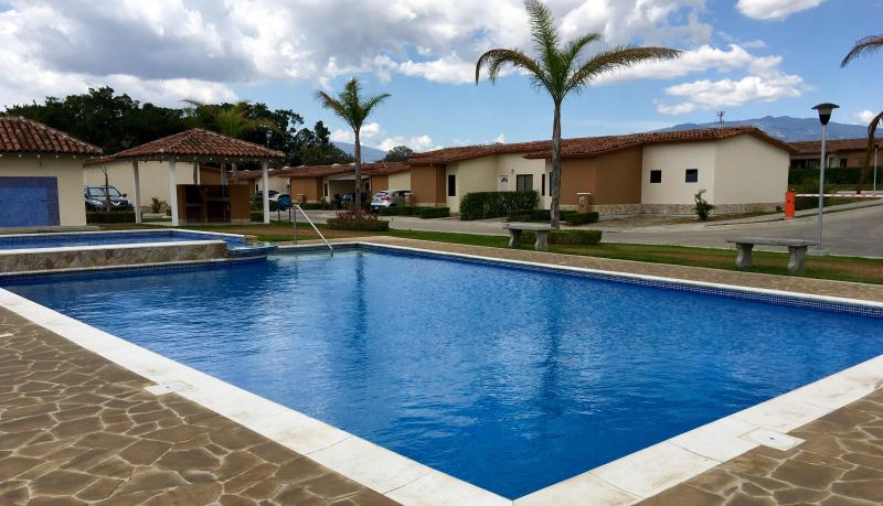 House - Casa - San José Area, holiday rental in Santiago de Puriscal