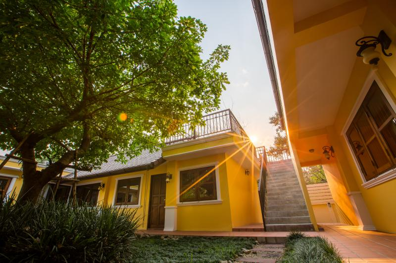 Chiang Mai City Center,Sunny Side Up Apartments, holiday rental in San Phranet
