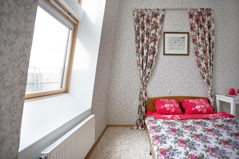 Best apartment near merto station, location de vacances à Kurortny District