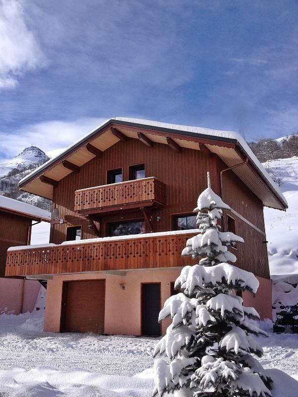 Chalets-Lacuzon-vue exterieur chalet Snow Angel-les-Menuires