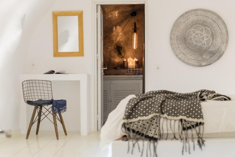 Earth Suite, holiday rental in Oia