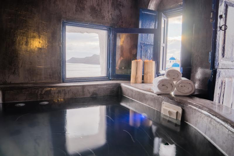 Ouranos Suite, holiday rental in Oia