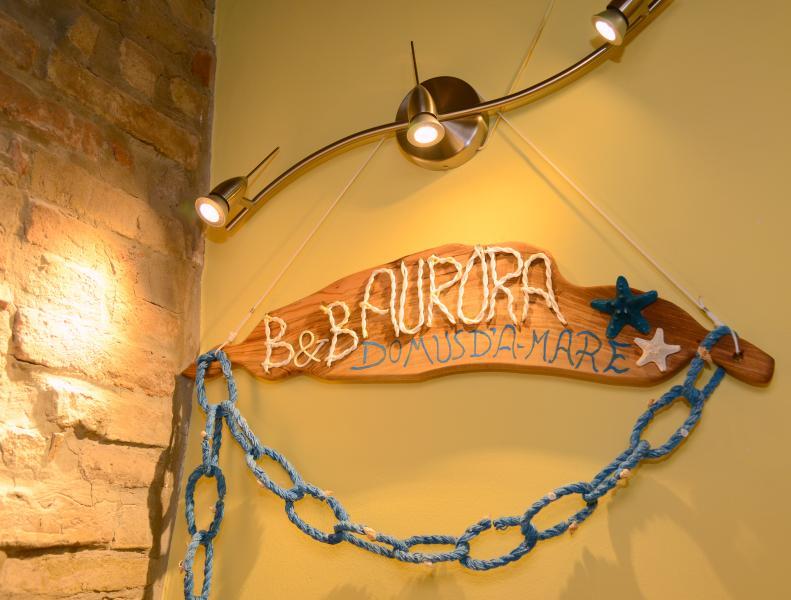 Nel centro cittadino, il B&B  Aurora Domus D'a-mare offre ai suoi ospiti un soggiorno esclusivo