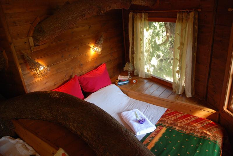 Dreamy treehouse to wake up in...exclusive location close to sandy beaches..