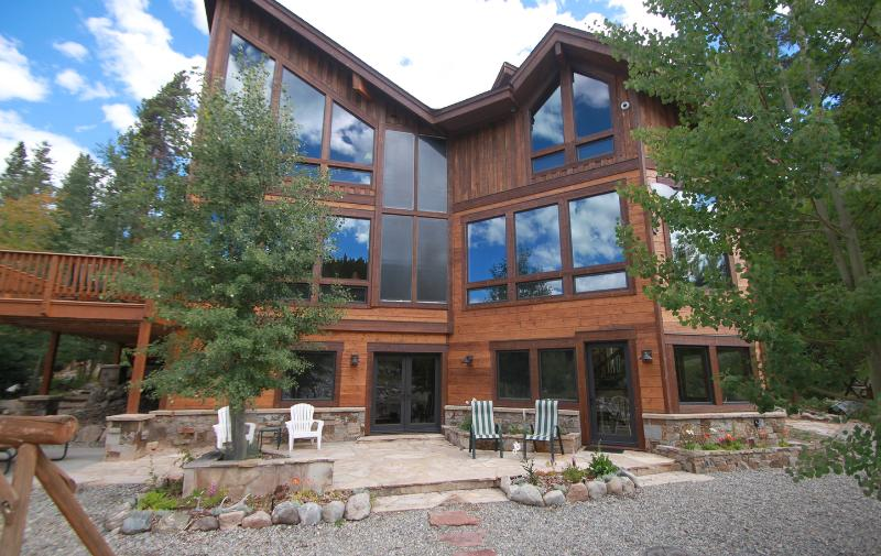 Wagon Road Breckenridge on the Blue River with Views of Peak 8 and Horseshoe Bowl Remodeled in 2010