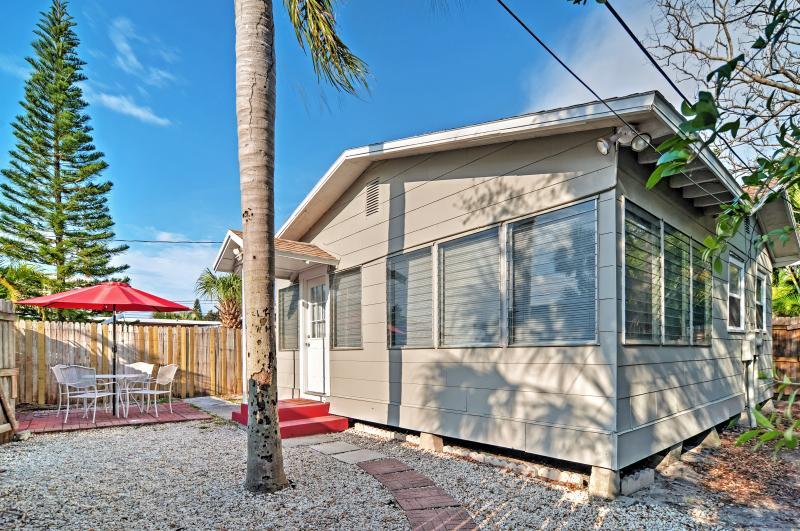 Quiet Cottage < 0.5 Mi to Gulf Coast & Boardwalk!, vacation rental in Treasure Island