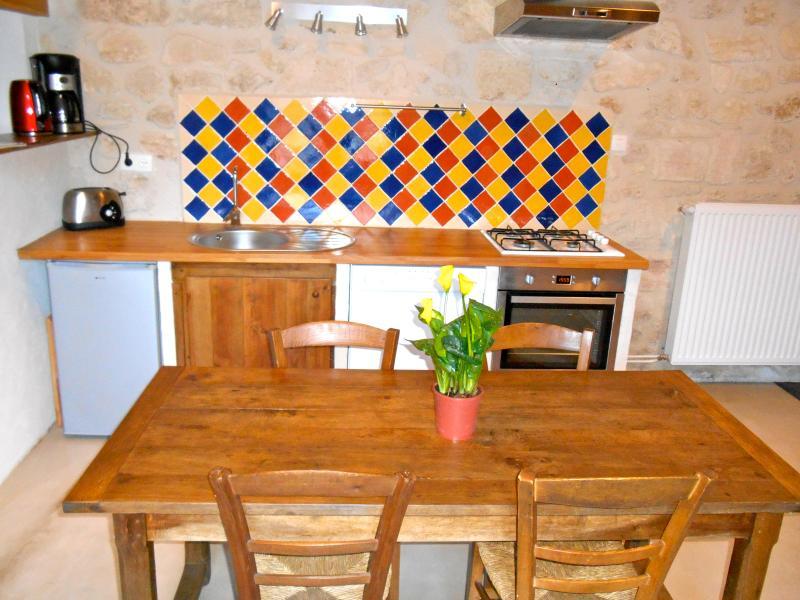 Gite au milieu du vignoble, holiday rental in Saint-Cibard