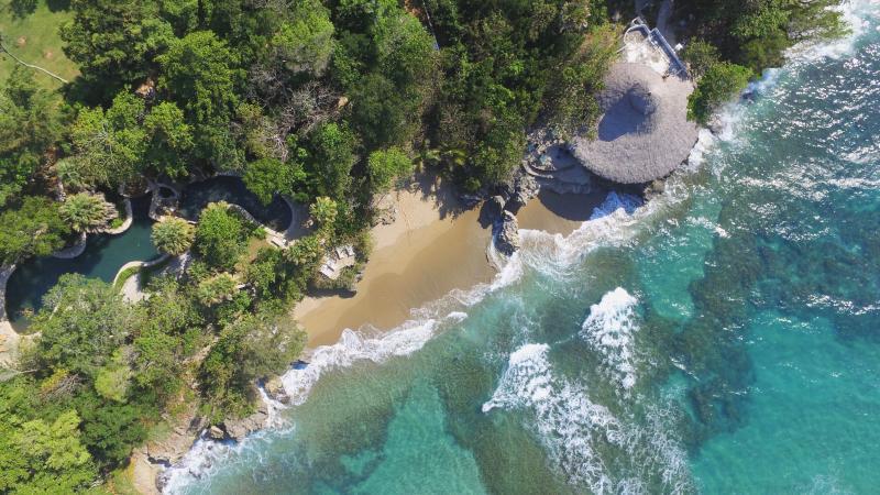 Der Beach Club, Strände und Freiform-Pools direkt am Meer