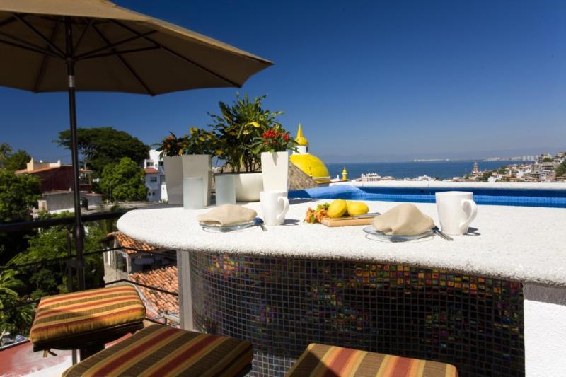 CASA ALEGRE - 2 king bedrooms.  Private pool., vacation rental in Puerto Vallarta