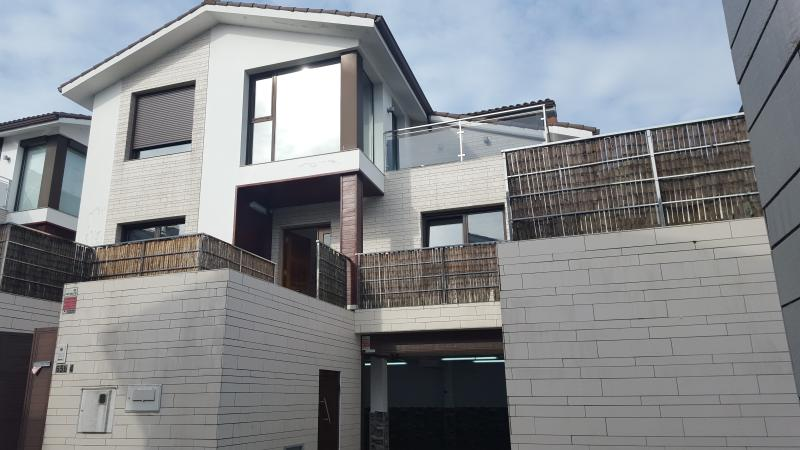 Casa de diseño con vistas al mar..