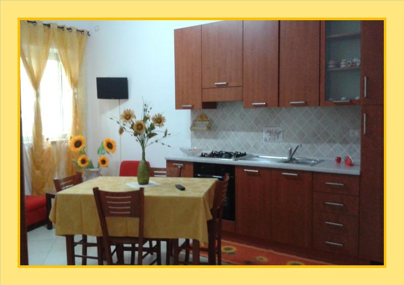 Angolo cucina -soggiorno
