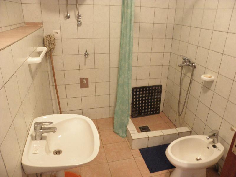 A2 (2 + 1): bagno con wc