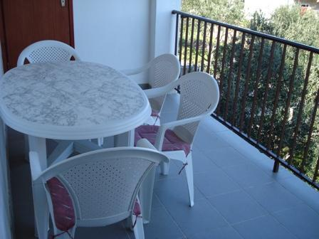 A2(2+1): terrace