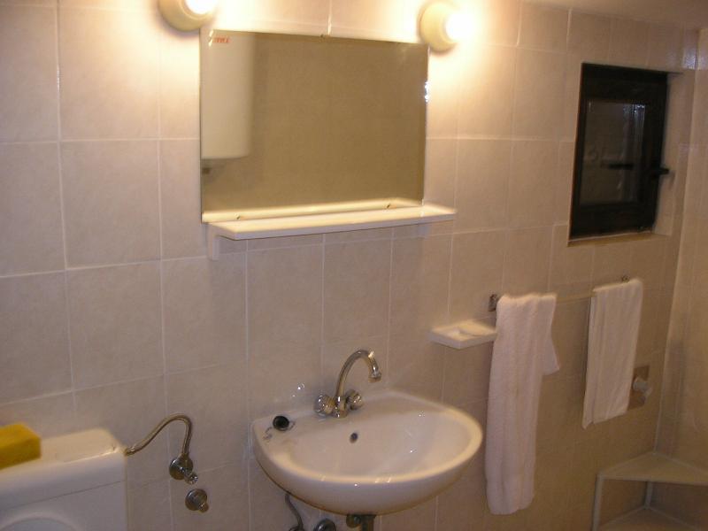 A2 (2 + 3): bagno con wc