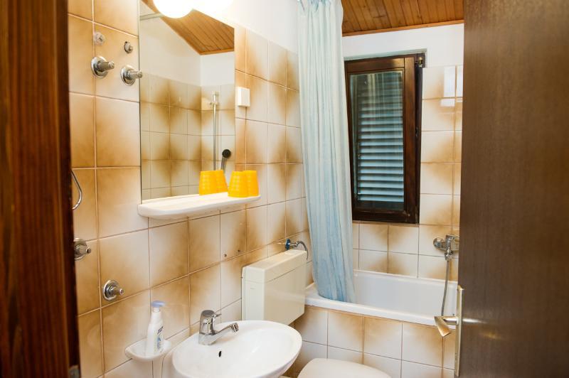A3 (2): Bad mit WC
