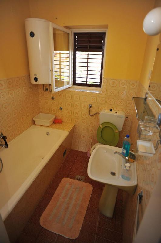 A2 (5): bagno con wc