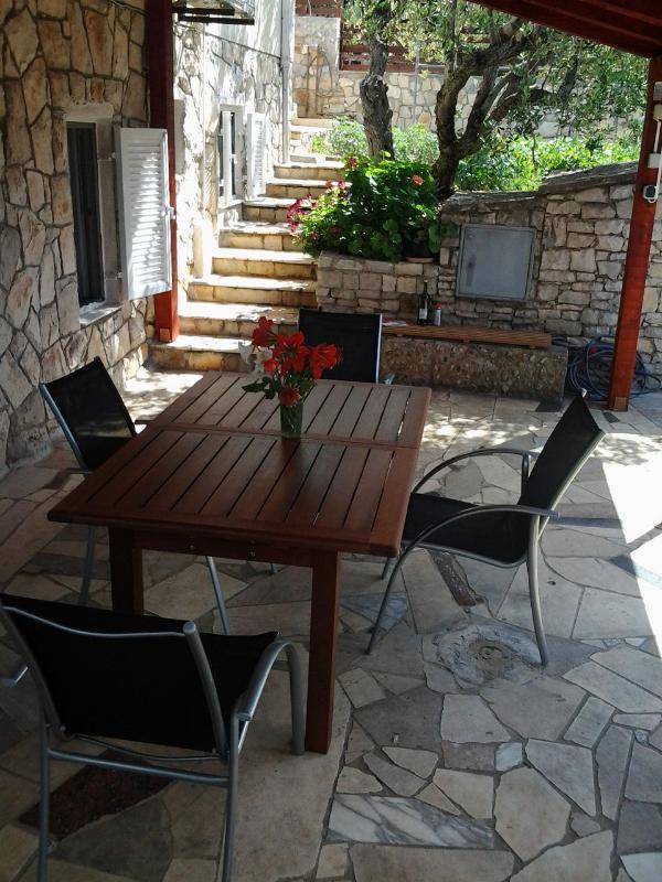 A1(2+2): garden terrace