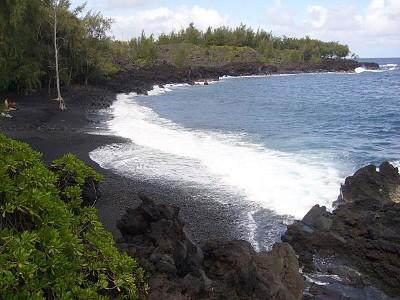 Kehena Beach is walking distance from the studio.