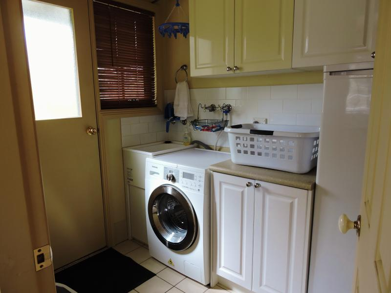Laundry with washer/dryer