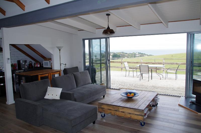 Grey Goose @ Smiths Loft Apartment, Ferienwohnung in Smiths Beach
