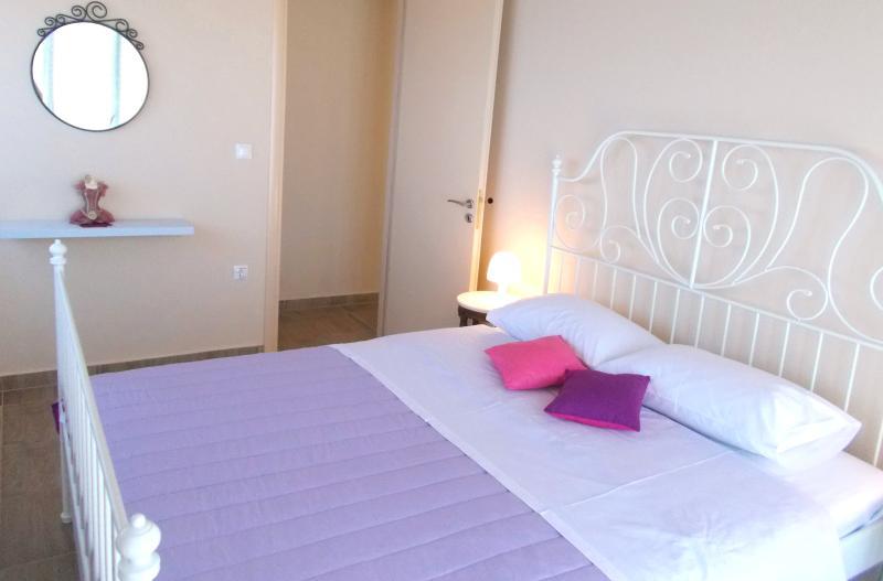Modern 3-bedroom apartment,with magnificent sea view veranda, near Porto Katsiki beach