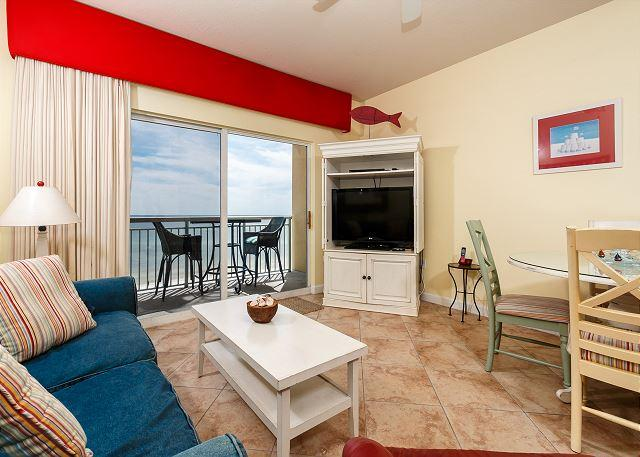 ENJOY YOUR VACATION IN THIS 2BR/2BA UNIT WITH AN AMAZING VIEW OF