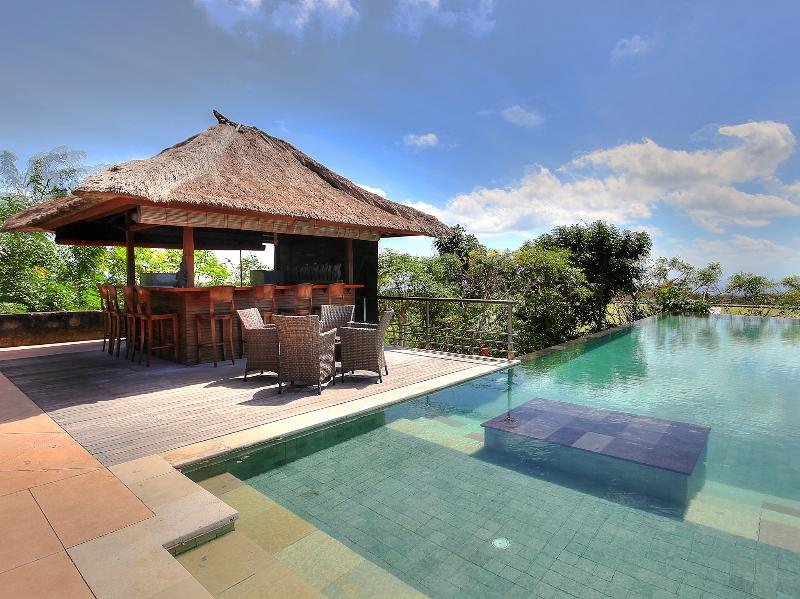 Indah Manis, 5BR, The Bukit, vacation rental in Nusa Dua Peninsula