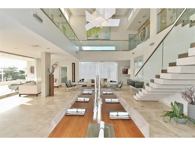 Open space with 27' high ceiling