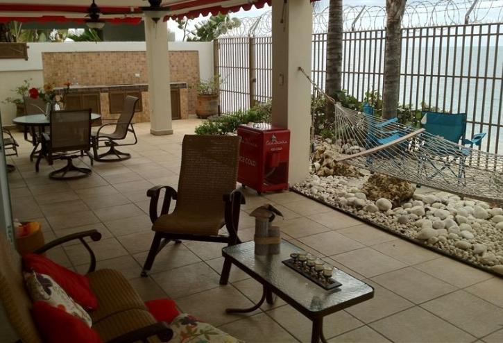 Beach Front Luxurious Villa, location de vacances à Hormigueros