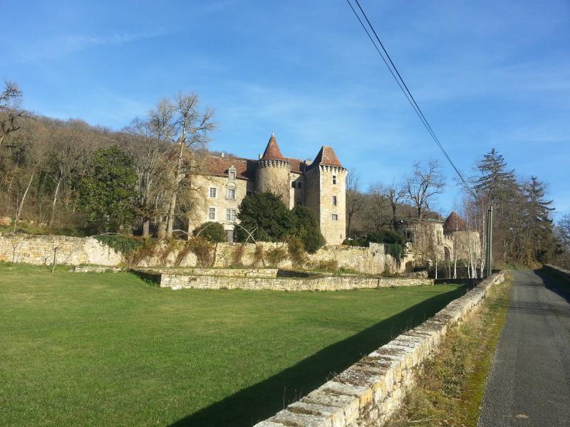 Château Außen, wenige Minuten von Figeac, in der Nähe einer Vielzahl an Attraktionen, Rocamadour usw.