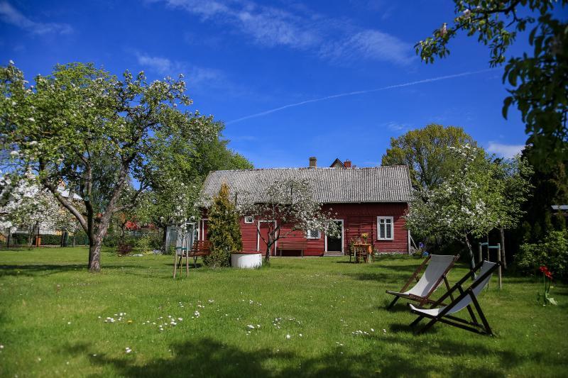 Garden and summer kitchen house