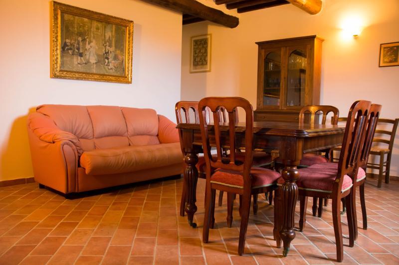 Agriturismo Villalugnano appartamento Nausicaa, vacation rental in Trestina