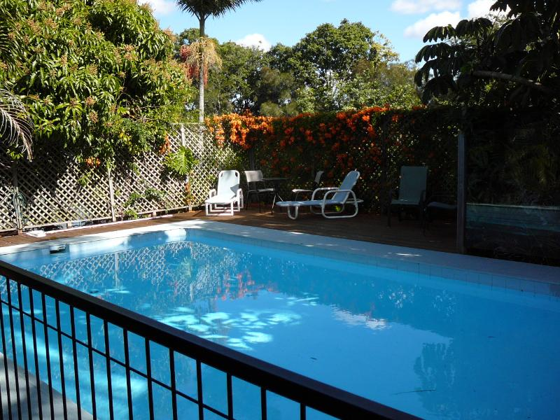 HOLIDAY HOME ON THE CANELS, holiday rental in Benowa
