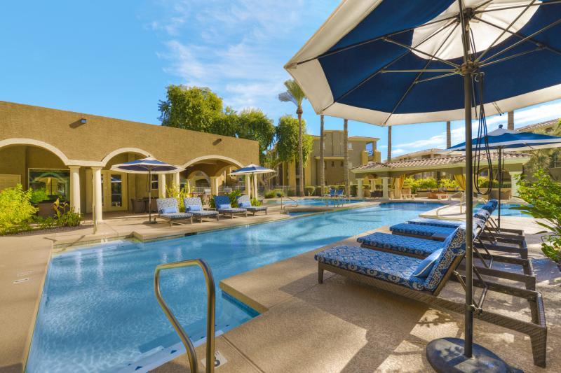 Luxury 3 Bedroom Condo on TPC Scottsdale, location de vacances à Scottsdale