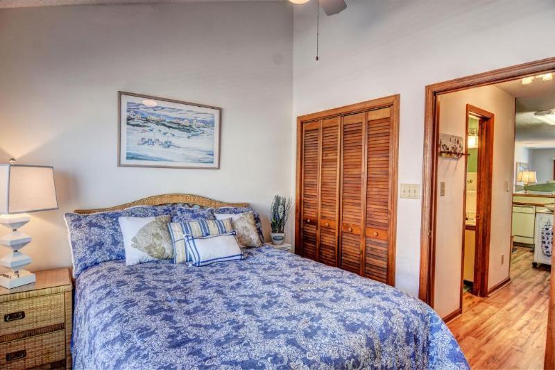 Bedroom 1 (view 2)