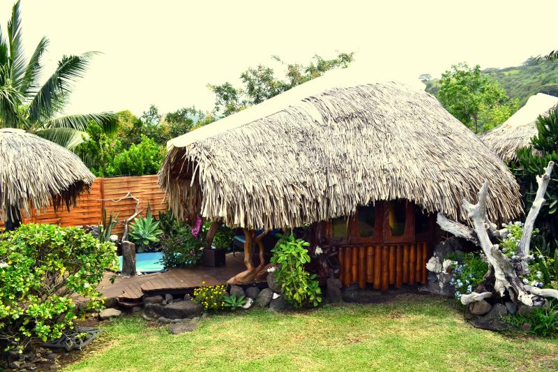 MAISON D'ARTISTE  bord de plage, vacation rental in Tahiti