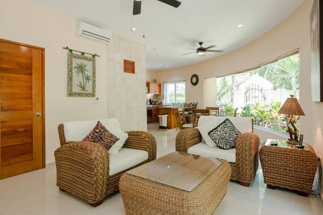 Condo Bellmare B1 paradise luxury logon view, location de vacances à Xpu-Ha