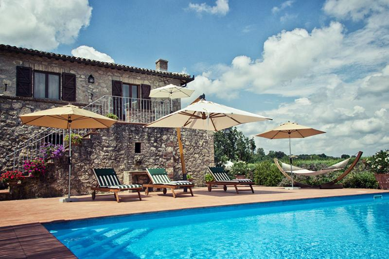 Casa Amica If rented for 11 people, holiday rental in Porano