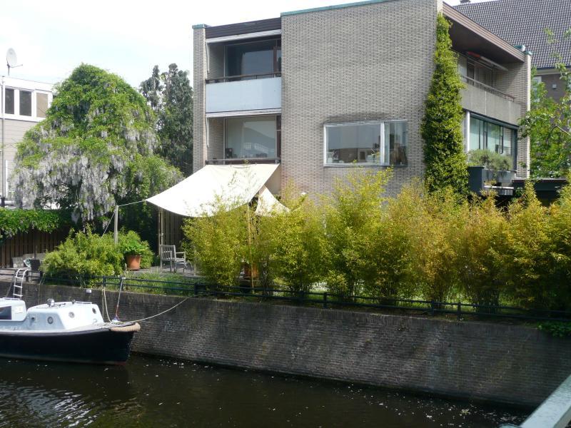 jardín y terraza sólo está disponible por el alquiler de la cocina de la familia, así durante los días festivos