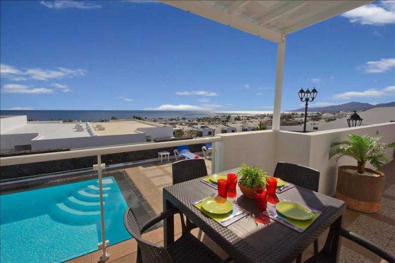 Villa Okinawa/Delfines,Heated & Gated Pool,Wifi, Pool Table, Sea Views LVC196728, holiday rental in Puerto Del Carmen