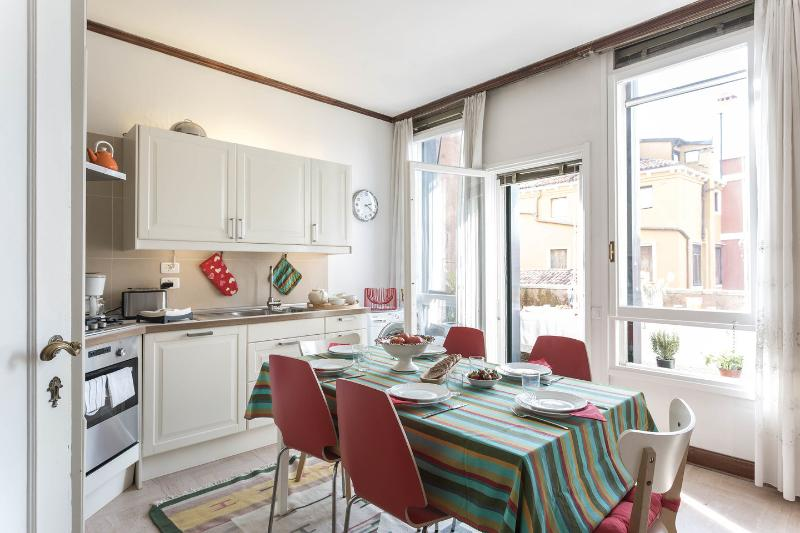 Zattere luxury Apartment 3 double bedrooms - 3 bathrooms, alquiler vacacional en City of Venice