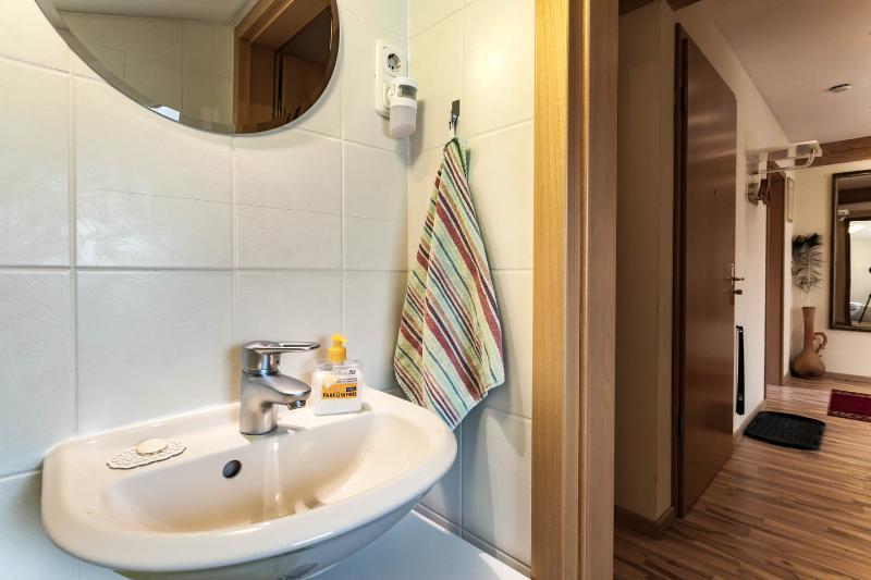 Gescheiden toilete; Grond Entree Apartment